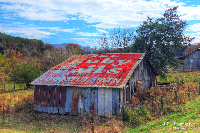 See Ruby Falls Lookout Mtn barn - Pikeville, Tennessee