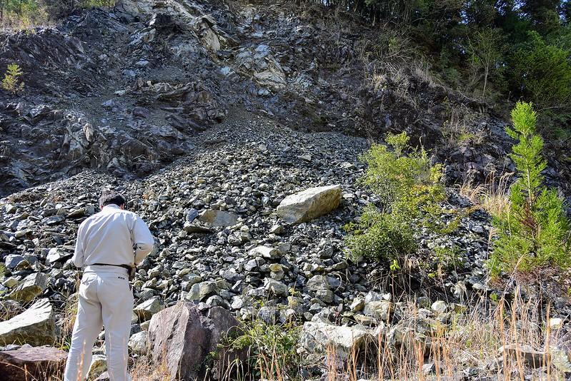 輝石岩体の露頭