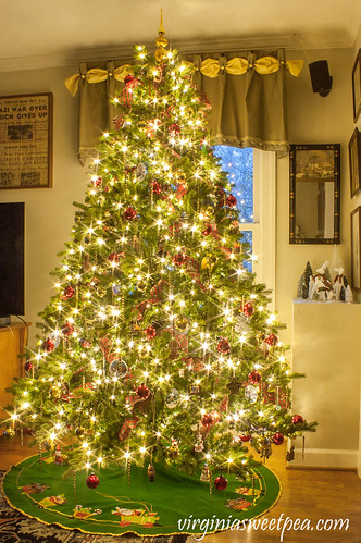2019-Family-Room-Christmas-Tree-6