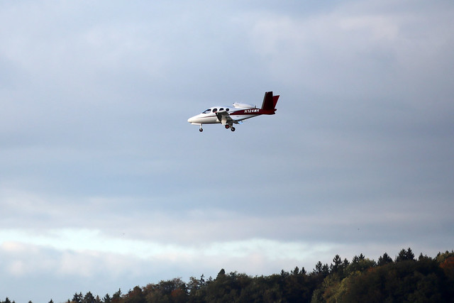 private Cirrus Jet SF50 N124MR landing ZRH/LSZH