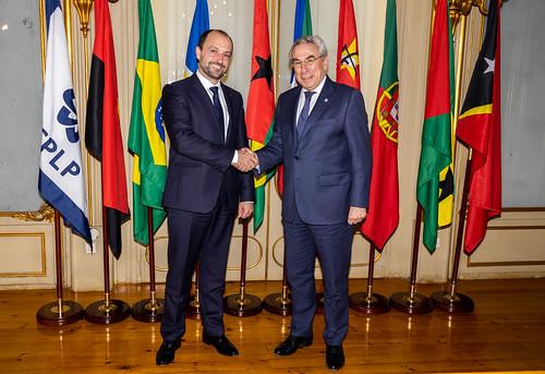 19.12. Secretário Executivo recebe cartas credenciais do embaixador da Hungria
