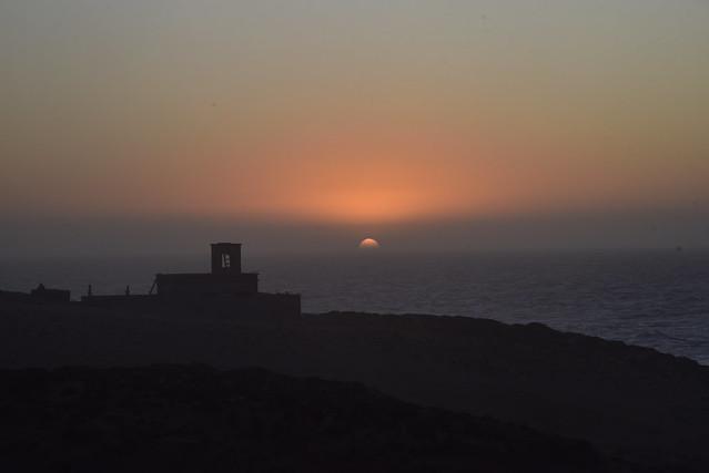Unterwegs - Sonnenuntergang am Atlantik nördlich von Agadir; Marokko (910)