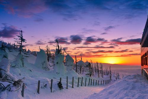 japan yamagata zao zaoropeway sunset sky winter snowview snowmonster forzentrees juhyo ざおうれんぽう 日本 山形縣 藏王山麓站 樹冰 藏王 藏王連峰 藏王山頂站