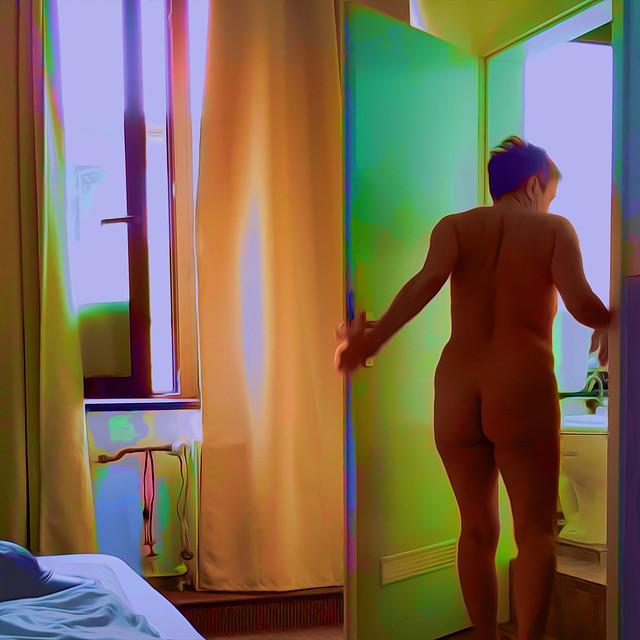 Bildschichten Frau im Hotelzimmer 01