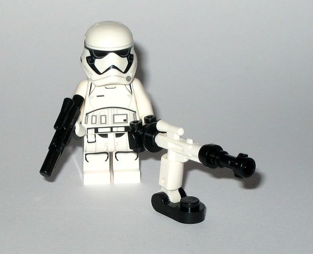 lego 75245 1 star wars advent christmas calender 2019 day 04 fwmb-10 repeating blaster b with first order stormtrooper minifigure