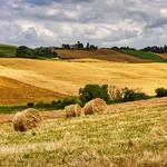 14. Juuni 2016 - 11:13 - Non è facile camminare da solo nella campagna, senza meditare su qualcosa. (Charles Dickens)  La natura può allestire spettacoli straordinari. Il palcoscenico è immenso...La campagna di Orciano Pisano ----------------------------------- It is not easy to walk alone in the countryside without meditating on something. (Charles Dickens)  Nature can set up extraordinary shows. The stage is immense ... The countryside of Orciano Pisano - Pisa - Italy