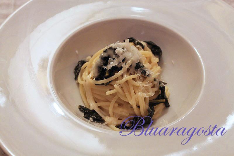03-spaghetti cavolo nero e crema di pecorino di Pienza