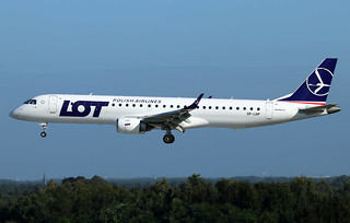 LOT-Polish Airlines Embraer ERJ-195LR SP-LNP