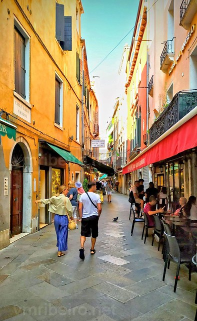 Rua de Veneza