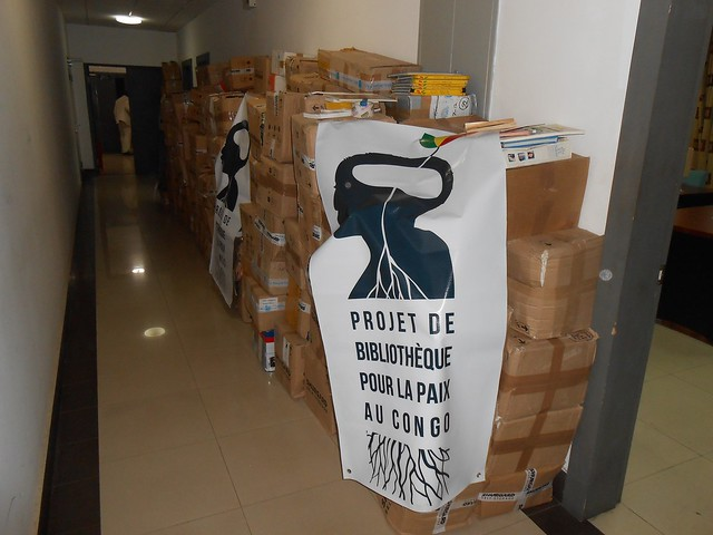 Congo-2014-11-10-UPF Books donated to Library