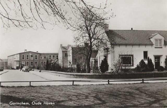 Ansichtkaart - Gorinchem, Oude Hoven (Uitg. van Leer's fotodrukind. N.V. nr. 64)