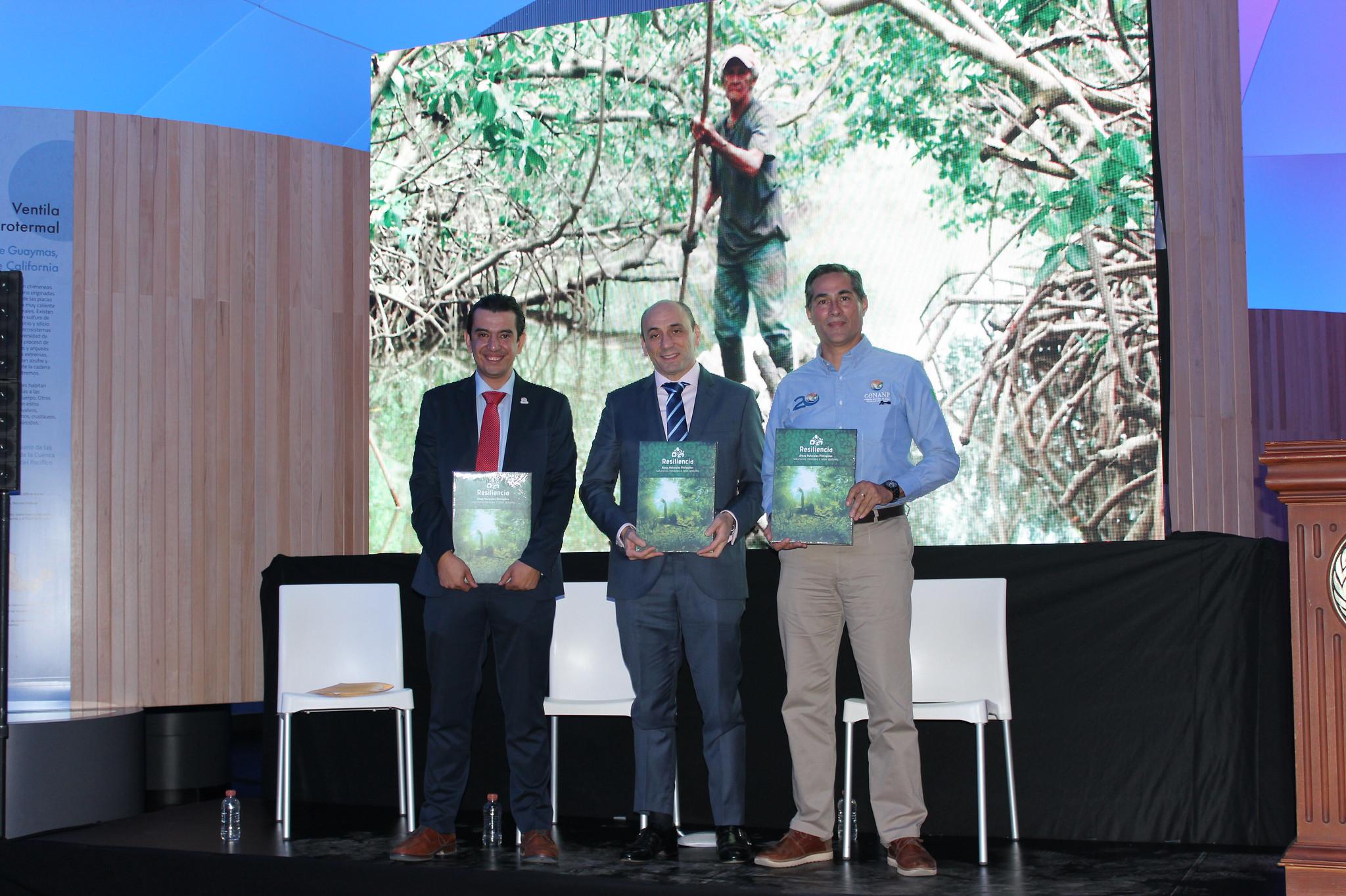 """Presentación del libro """"Resiliencia: Áreas Naturales Protegidas: soluciones naturales a retos globales"""""""