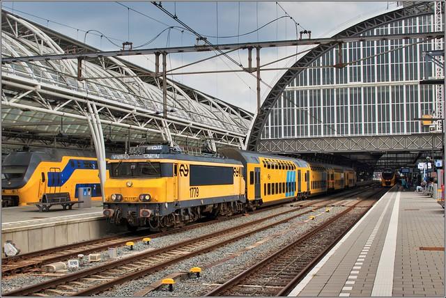 NSR 1779 + DDM-1 7201 - Amsterdam Centraal 16/8/19