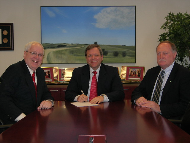 United Soybean Board Donation to Hall of Laureates Project