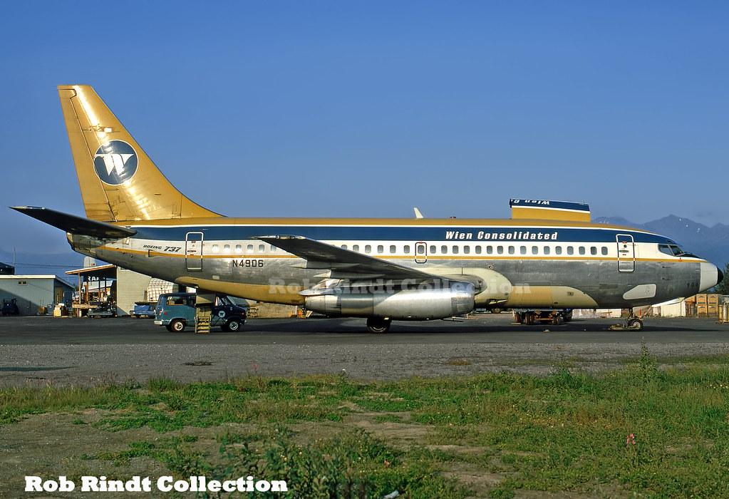 Wien Consolidated B737-210C N4906