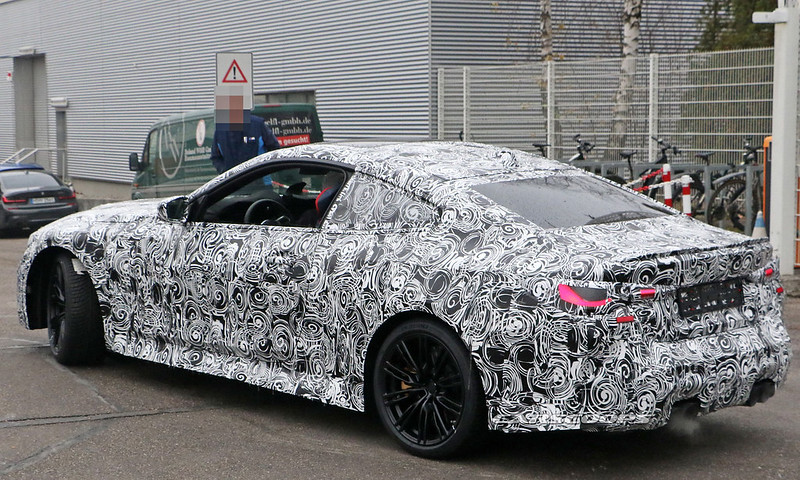 2021-bmw-m4-coupe-12