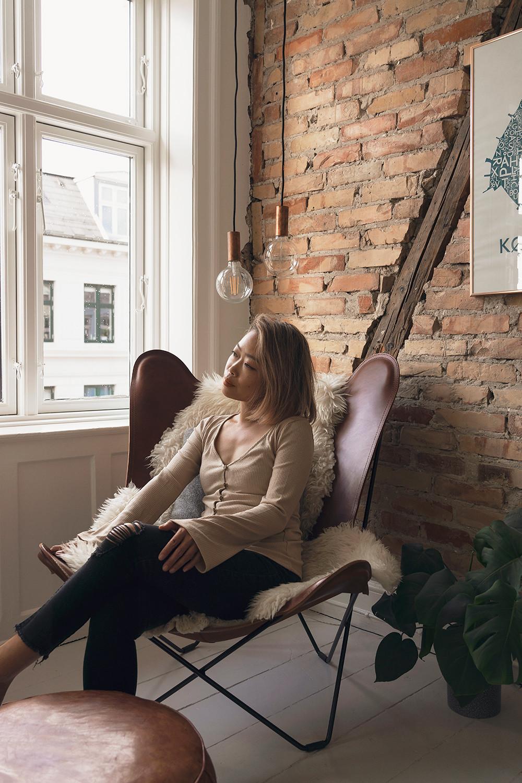 03copenhagen-denmark-airbnb-eames-butterflychair-travel