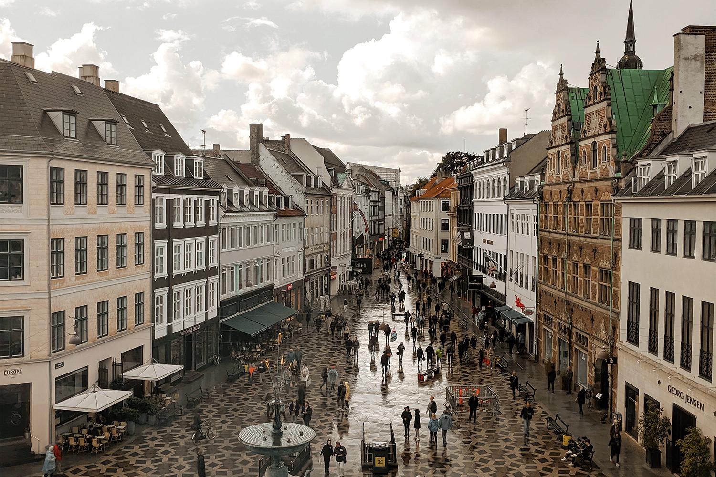 01copenhagen-denmark-stroget-square-travel