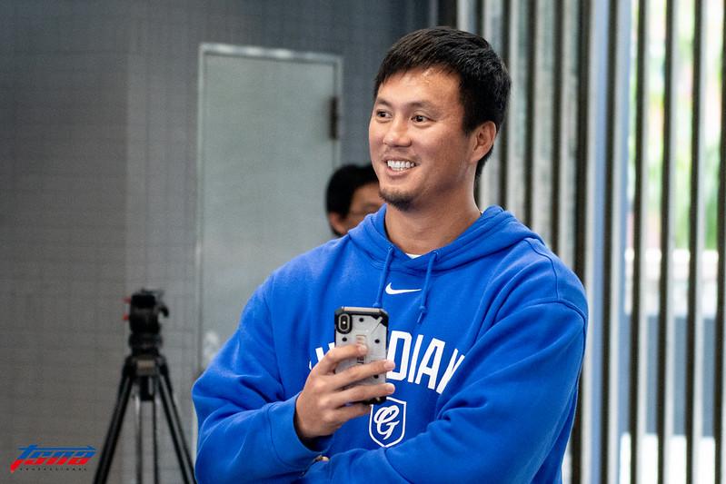 高國輝出席棒球營活動。(特派記者王啟恩/攝)