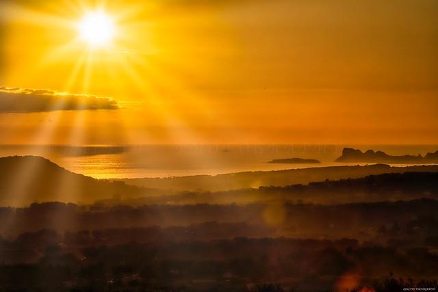 Coucher de soleil sur la plaine du Beauset et le Bec de la Ciotat -3D0A7631
