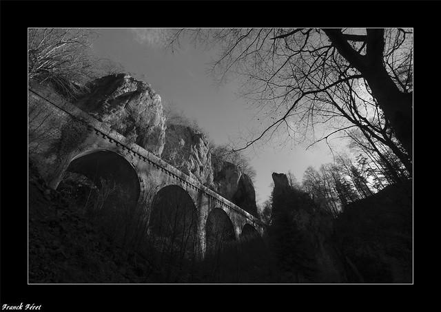 Lumière sur le pont de Rochanon - Bolandoz