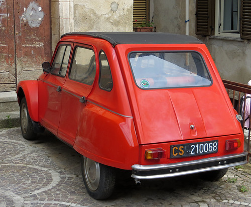 Cetraro - Classic Citroen Dyane from the 1970s | by Martin's Miscellany