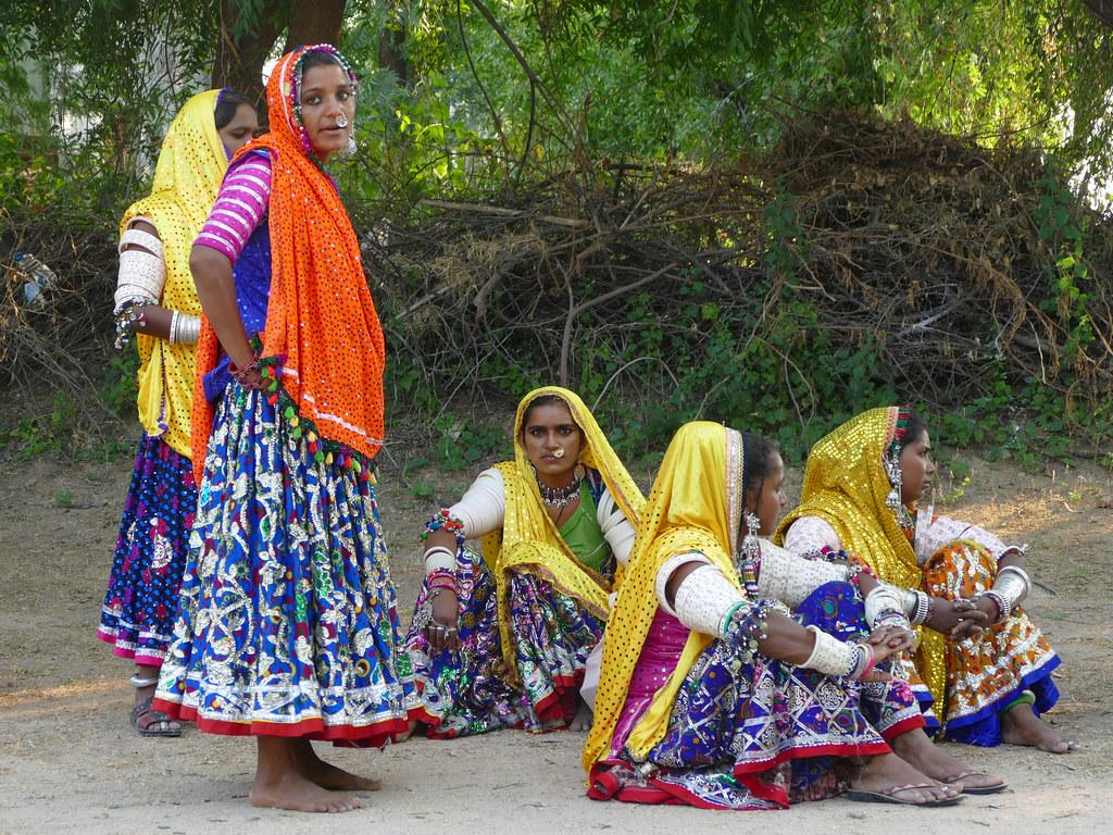 Femmes de la tribu Mir