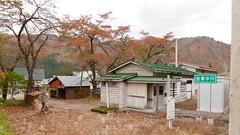 雰囲気の良い木造駅舎