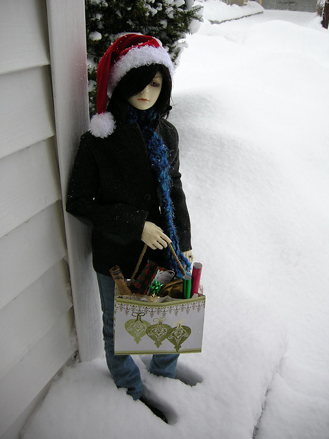 Grimm out Christmas shopping.