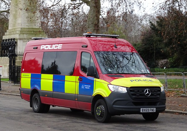 Met Police Diplomatic Protection Group - BX69 FNG