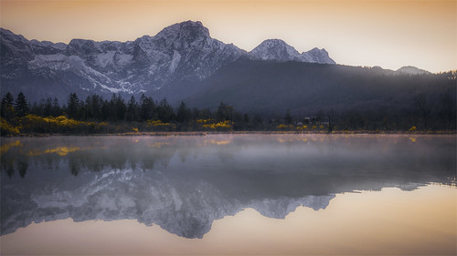 _DSC4285 Lake Almsee with Great Wolsing / Upper-Austria