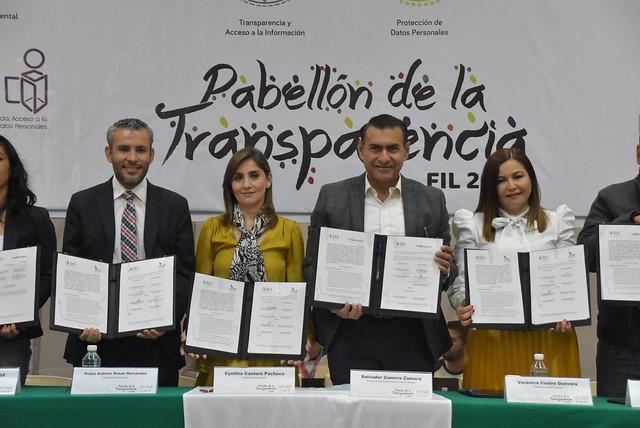 Firma de Convenio del Gobierno de Tlajomulco y DIF Tlajomulco con el ITEI