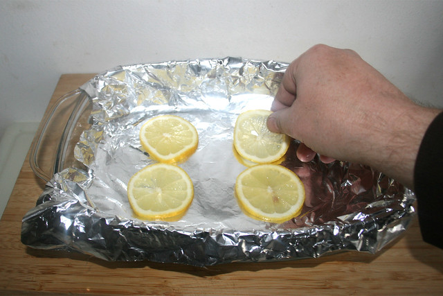 22 - Zitronenscheiben einlegen / Put in lemon slices