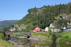Steinsdalfossen and Steinsdalselva