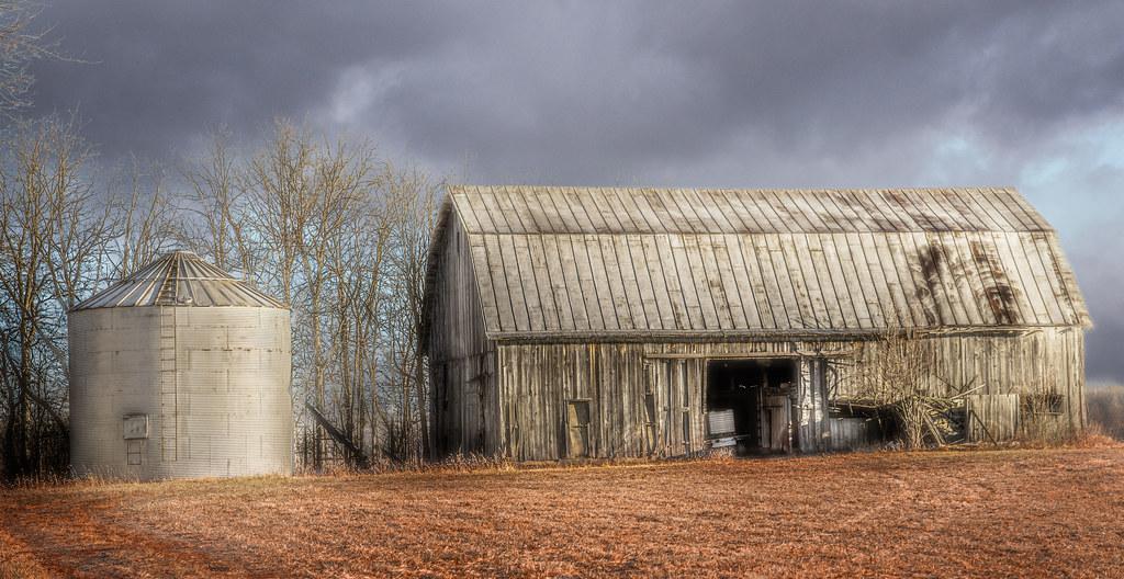 Grey Barn and Bin