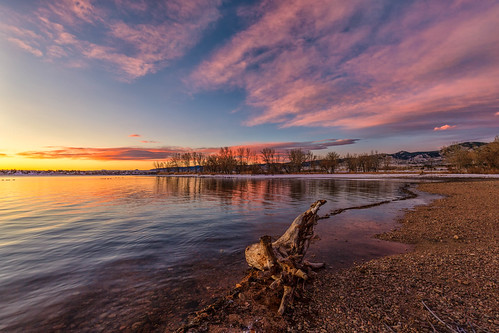 sunrise dawn daybreak landscape clouds lakechatfield chatfieldstatepark colorado reflections driftwood beach