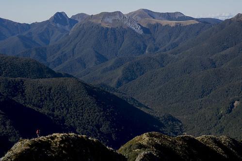 Descending to Kiwi Saddle