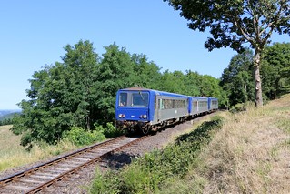 "Train touristique CFHA ""Gentiane Express"" Lugarde / Riom es Montagne (15)"
