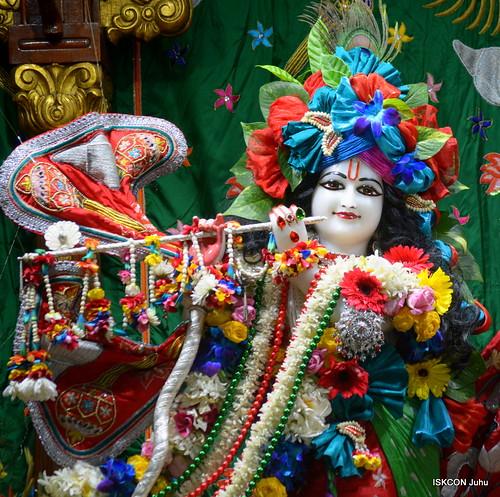 ISKCON Juhu Sringar Deity Darshan on 8th Dec 2019