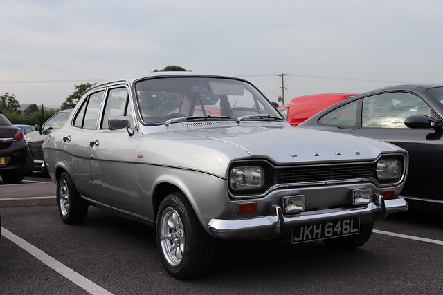 Ford Escort 1300 XL JKH646L