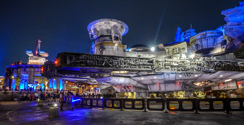 SWGE Millenium Falcon night DHS