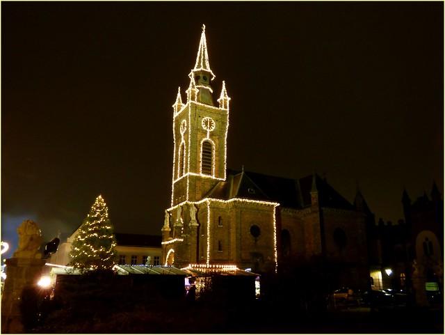 Kirche im Lichterglanz✨ / Church in the light shine✨