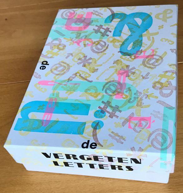 IMG_2074VergetenLettersProjectVanHansVanEijk(InDeBonnefant)EnJanKlerken(acerPERS)DeDoos