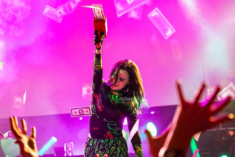 Rizha - Outside On Tour