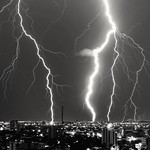 27. November 2019 - 1:11 - Bolts striking senses all at once, striking the city and the night.
