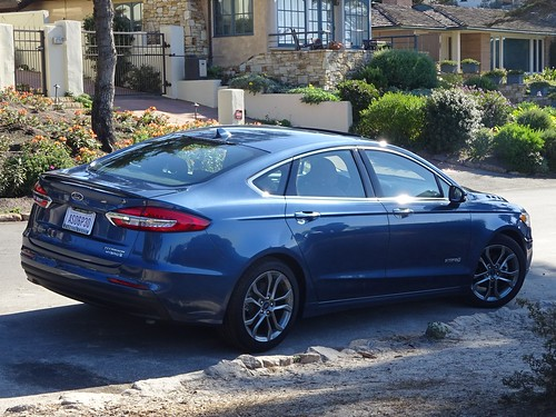 2020 Ford Fusion Hybrid Photo
