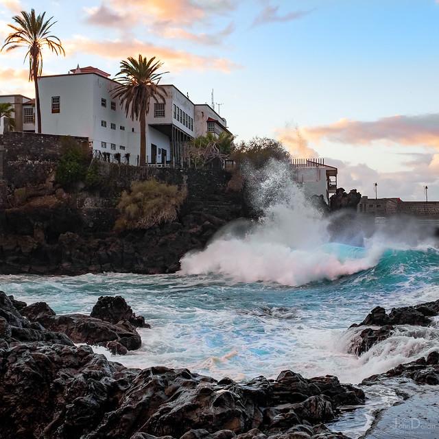 waves at sunset   puerto de la cruz   tenerife