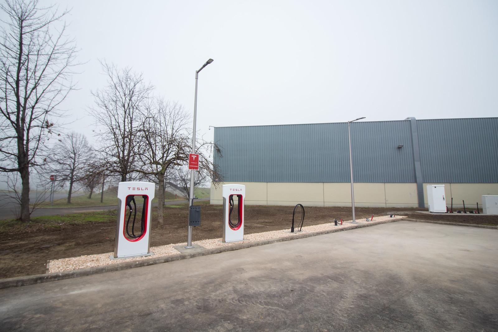 Megérkezett a Tesla Szegedre