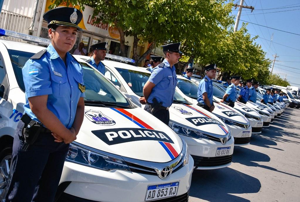 2019-12-08 GOBIERNO: Desfile en Pocito 150º Aniversario Policía