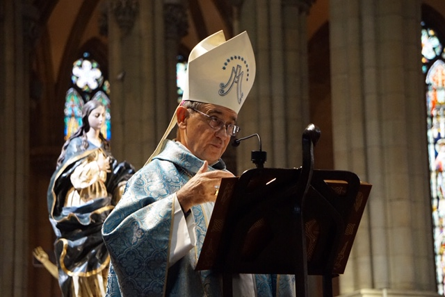 Monseñor Arrieta en la Catedral de Vitoria